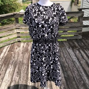 Brooks Brothers black/white dress w stretch waist